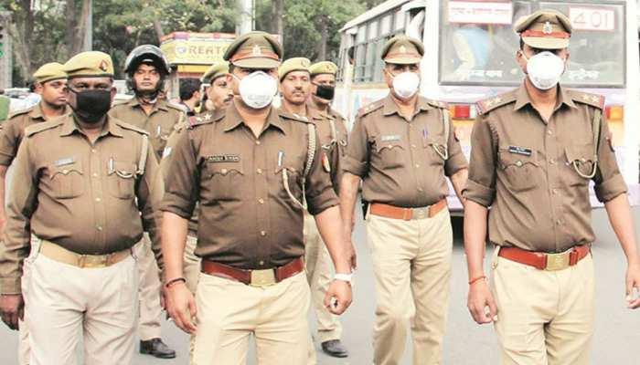 UP के एटा में 450 रुपये के लिए दो समुदाय आपस में भिड़े, भारी पुलिस बल तैनात
