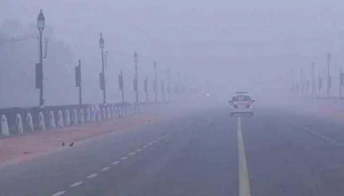 दिल्ली में ठंड ने तोड़ा रिकॉर्ड, 26 साल में पहली बार इतना नीचे चला गया तापमान