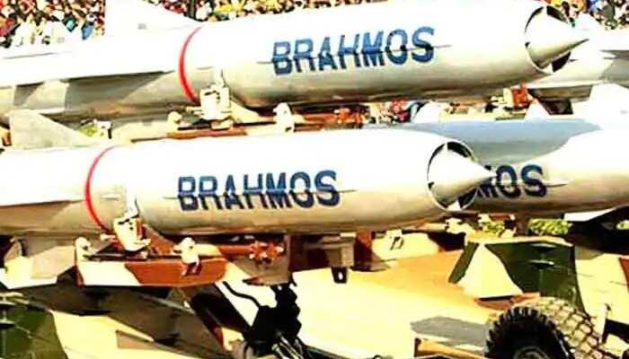 ब्रह्मोस सुपरसोनिक क्रूज मिसाइल के लड़ाकू विमान से दागे जा सकने वाले प्रारूप का सफल परीक्षण