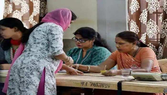 दिल्ली के निगम पार्षदों का 'रिपोर्ट कार्ड' जारी, नतीजे जानकर आप रह जाएंगे हैरान