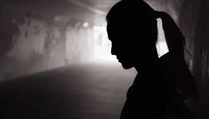 महिलाओं से संबंध बनाकर पॉन साइट पर डालता था वीडियो, पुलिस ने पकड़ा
