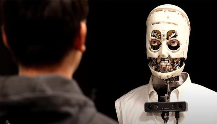 'डिज्नी' ने बनाया घूरने वाला रोबॉट, वो दिन दूर नहीं जब बन जाएंगे इंसानों जैसे बुद्धिमान