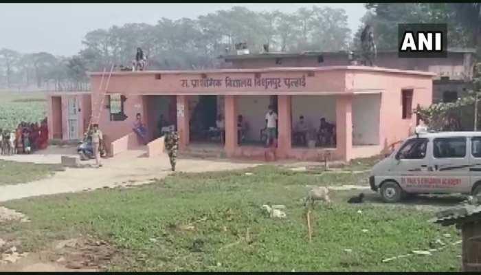 मुजफ्फरपुर: ग्रामीणों ने मतदान का किया बहिष्कार, निर्वाचन अधिकारी बोले...