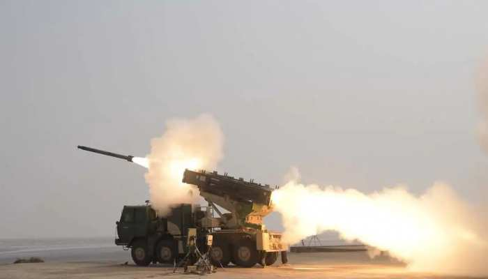 चीन से तनातनी के बीच बढ़ी भारत की ताकत, DRDO के पिनाका रॉकेट का सफल परीक्षण