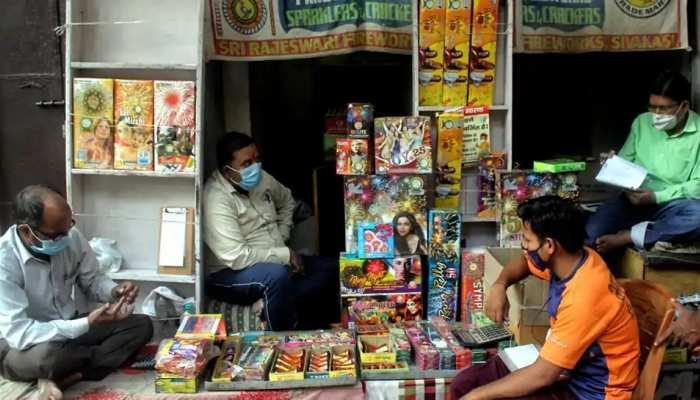 दिल्ली के बाद अब इन राज्यों ने भी पटाखों पर लगाया बैन, ये है कारण