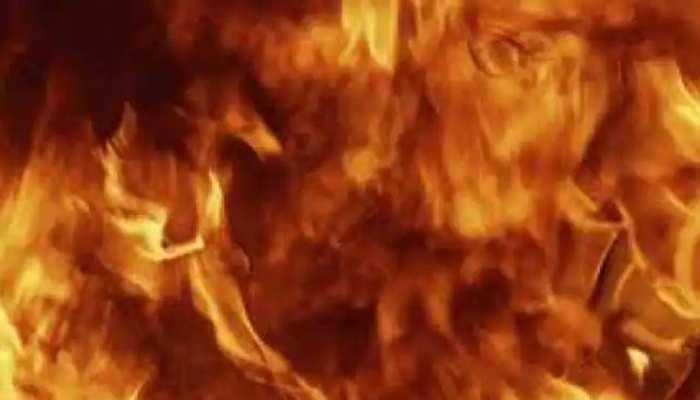 पांच हजार की उधारी नहीं दी तो, मंदिर के सामने मजदूर को जिंदा जलाया, मुख्यमंत्री पीड़ित परिवार से मिलने जाएंगे