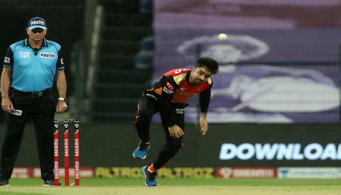 VIDEO: राशिद खान की जादुई गेंद पर स्टोइनिस क्लीन बोल्ड, ट्विटर पर हो रही है जमकर तारीफ