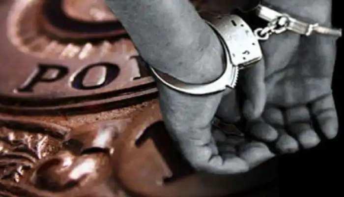 झारखंड: नशीला पदार्थ बेचने के आरोप में छापेमारी, 1 तस्कर हीरोइन पीते गिरफ्तार
