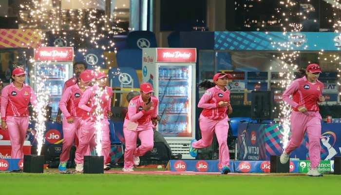 Women's T20 Challenge: स्मृति मंधाना की टीम ने हरमनप्रीत कौर की टीम को मात देकर पहली बार जीता खिताब