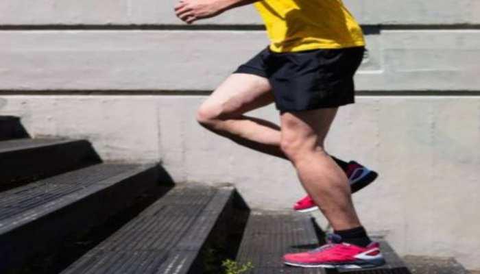 अब सीढ़ियां चढ़ने-उतरने से भी होगा वजन कम, जानिए Stairs Workout के फायदे