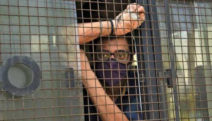 अर्नब गोस्वामी ने खटखटाया सुप्रीम कोर्ट का दरवाजा, बॉम्बे HC के आदेश को दी चुनौती