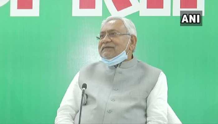 बिहार चुनाव के बाद पहली बार मीडिया से मुखातिब हुए नीतीश, आखिरी चुनाव के बयान पर कहा कुछ ऐसा