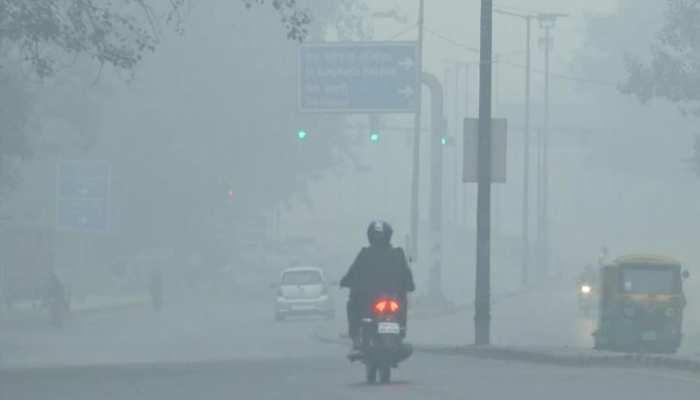 Diwali पर फूटा 'प्रदूषण बम', रोक के बावजूद आतिशबाजी