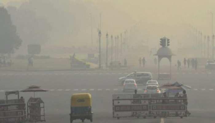 दिवाली के अगले दिन दिल्ली में वायु गुणवत्ता का स्तर चार साल के मुकाबले सबसे खराब