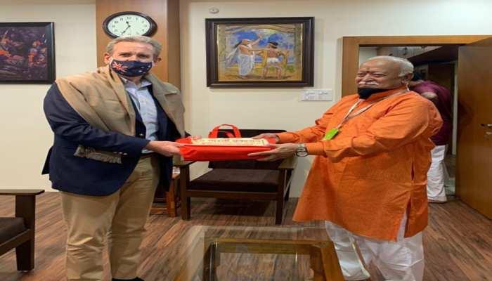 RSS से हुए बेहद प्रभावित, इस देश के हाई कमिश्नर ने की मोहन भागवत से मुलाकात