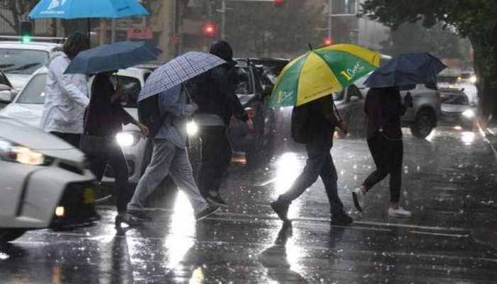 UP में अचानक बारिश से बढ़ी गलन, एक से दो दिनों में पड़ सकती है हाड़ कंपाने वाली ठंड