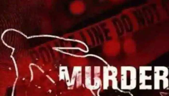 शराबियों का उत्पात, नशे में बुजुर्ग दंपति को पीट-पीटकर मार डाला