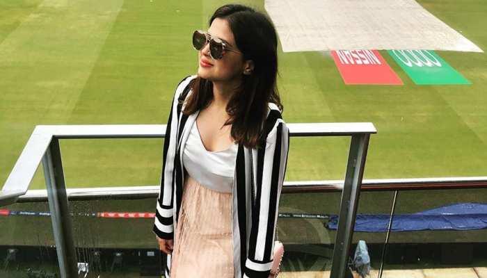 32 साल की हुईं Sakshi Dhoni, दुबई में शानदार तरीके से Celebrate किया Birthday