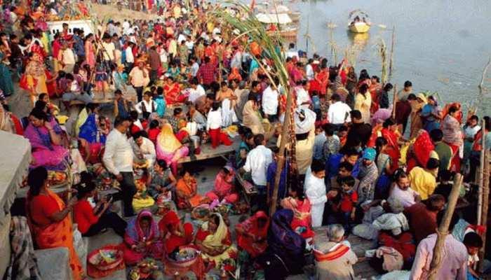 बिहार: आस्था के महापर्व छठ पर गूंज रहे पारंपरिक और आधुनिक गीत, भक्तों में उत्साह