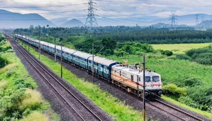 दिसंबर से और तेज होगी ट्रेनों की रफ्तार, ये है Indian Railways का खास प्लान