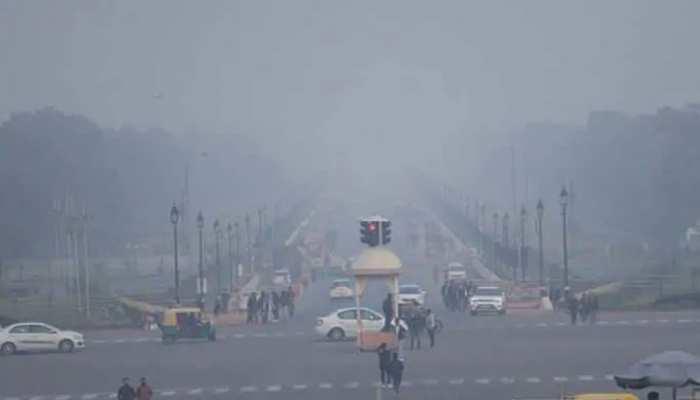 Delhi की सर्दी ने तोड़ा 17 साल का रिकॉर्ड, दर्ज हुआ इस सीजन का सबसे ठंडा दिन