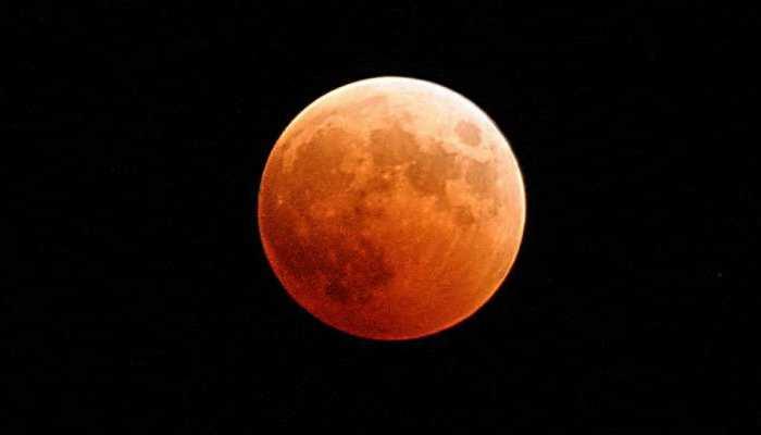 30 नवंबर को लगेगा साल का आखिरी चांद ग्रहण, जानिए कहां दिखेगा और किस वक्त होगा शुरू