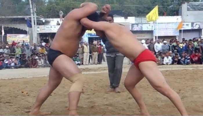 विलुप्त हो रही मिथिलांचल में कुश्ती की परंपरा, उदासीन सरकारी रवैये से पहलवान परेशान