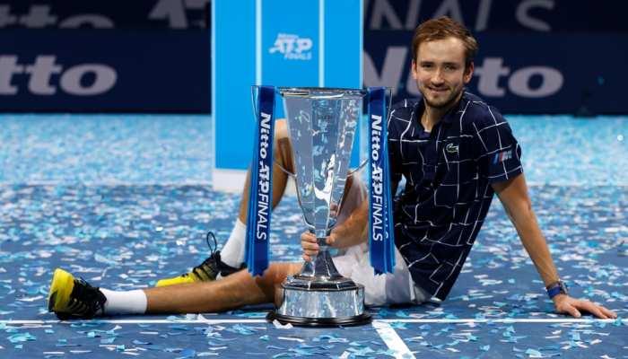 ATP फाइनल्स: मेदवेदेव ने रचा इतिहास, थीम को हराकर जीता करियर का सबसे बड़ा खिताब
