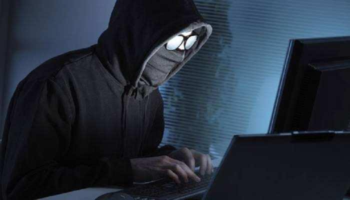 झारखंड के देवघर में 12 साइबर अपराधी गिरफ्तार, हथियार-मोबाइल जब्त