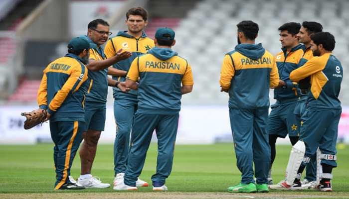 मुकाबले से पहले ही न्यूजीलैंड ने पाकिस्तान की लगाई क्लास, कोरोना लेकर घूम रहे थे 6 खिलाड़ी
