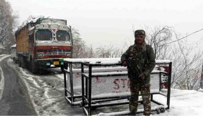 Jammu Kashmir में जिला विकास परिषद के लिए मतदान शुरू, सुरक्षा व्यवस्था कड़ी