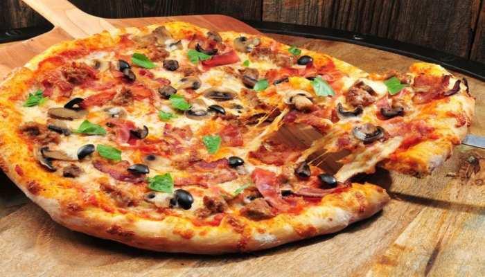 बचे हुए कड़ाही पनीर से बनाएं Tasty Pizza, अंगुलियां चाटते रह जाएंगे सभी