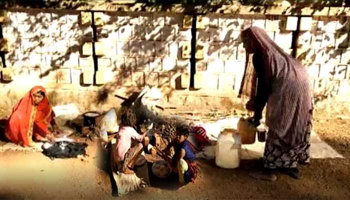 आरोप: दबंगों ने दलित परिवार को गांव से निकाला, गुनाह- अपने मन के प्रत्याशी को दिया था वोट