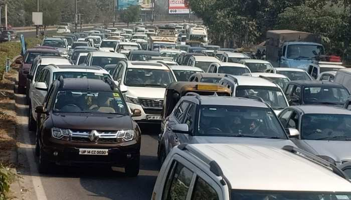 Traffic Jam at DND and Delhi Road due to Farmers Protest against New Farm laws Watch Pics