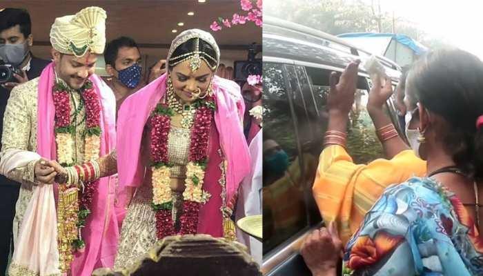 जस्ट मैरिड Aditya और Shweta को रास्ते में मिली किन्नरों की टोली, Watch VIDEO