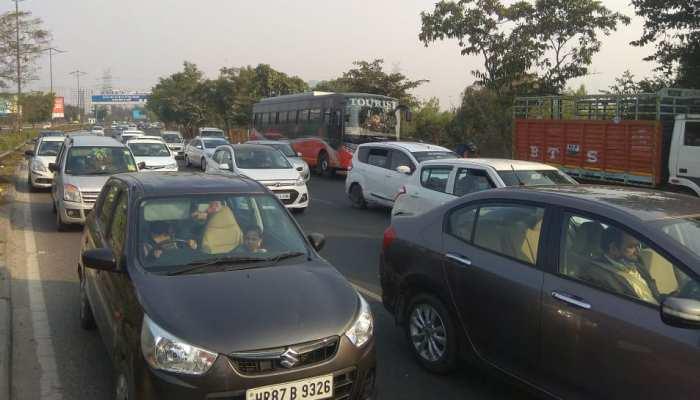 Delhi Traffic Alert: Farmers Protest के कारण दिल्ली में कई रास्ते बंद, आखिर कब बनेगी बात?
