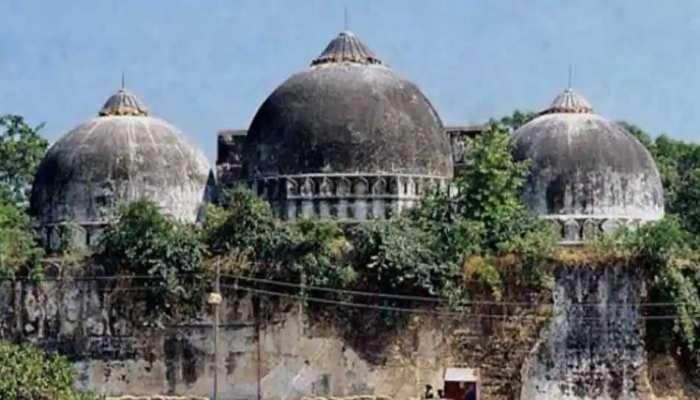 PFI ने बिहार के कटिहार में चिपकाए Babri Masjid के पोस्टर, लिखा- एक दिन होगा बाबरी का उदय