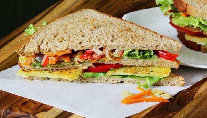 Sandwich की वजह से इस सांसद को देना पड़ा इस्तीफा, Supermarket से की थी चोरी