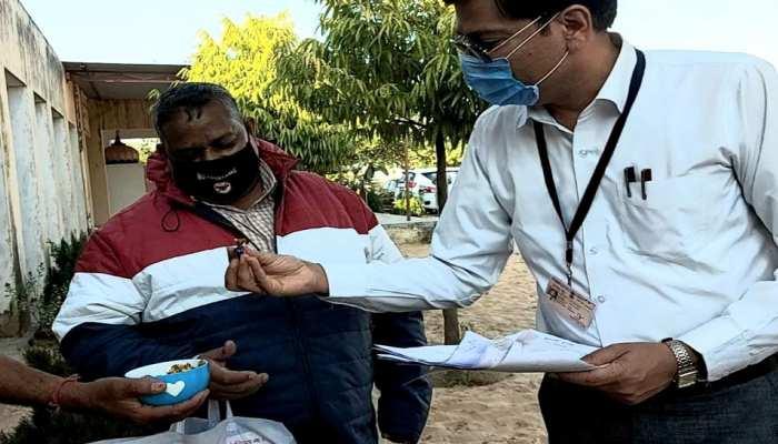 Jaipur में अच्छा काम करने वालों पर Teachers को चॉकलेट, Doctors को लताड़