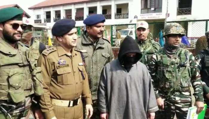Kashmir में जैश का एक और आतंकी गिरफ्तार, बरामद हुआ गोला-बारूद