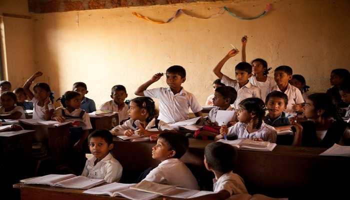 2 साल में प्राइमरी स्कूलों का कायाकल्प कर कॉन्वेंट बना देगी योगी सरकार, होंगे ये बदलाव