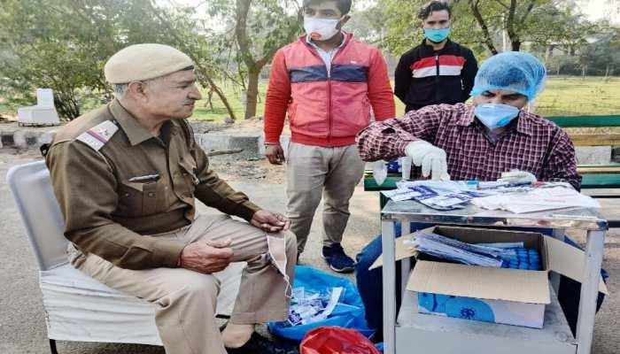 Farmers Protest: Singhu Border पर तैनात दो IPS अधिकारी Corona Positive, बढ़ सकता है खतरा