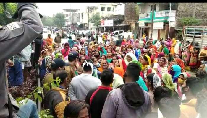 इंदौर: बीच-बचाव करना युवक को पड़ा भारी, पत्थर से कुचलकर की हत्या