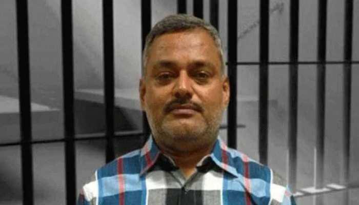 गैंगस्टर विकास दुबे के फरार भाई दीपू का मकान कुर्क, 82 नोटिस के बाद भी नहीं हुआ हाजिर