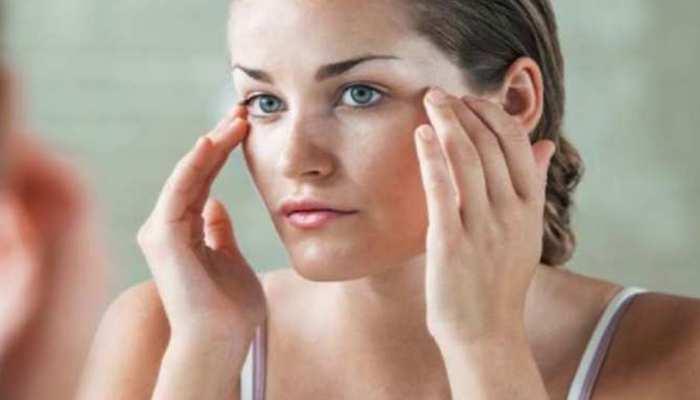 Beauty Tips: अगर आप भी ऑयली स्किन से हैं परेशान, तो इन चीजों को खाने से करें परहेज