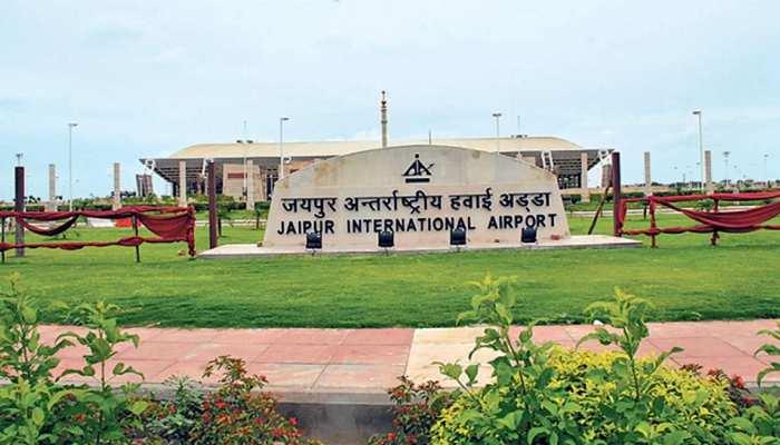 Jaipur Airport पर पिछले साल की तुलना में आधा हुआ यात्री भार, जानिए वजह...
