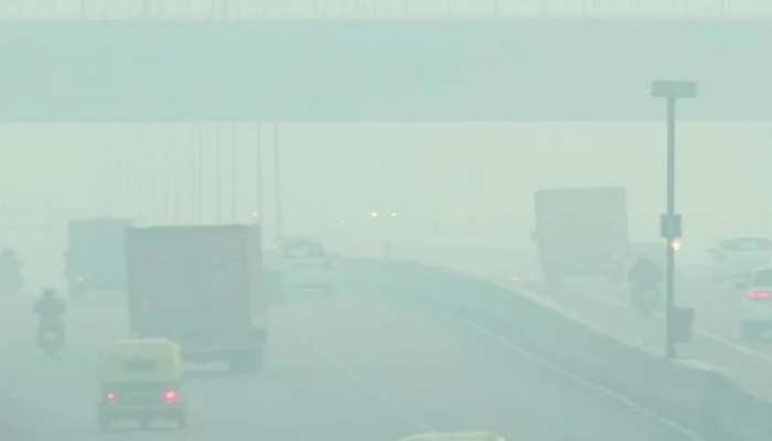 Air Pollution: 'डार्क रेड जोन' में दिल्ली-NCR, ग्रेटर नोएडा सबसे प्रदूषित शहर