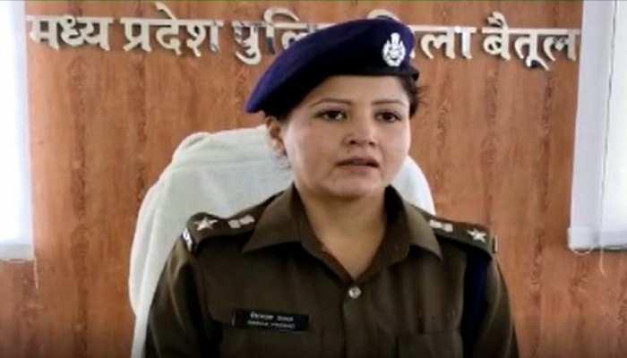 मंदिर घुमाने के बहाने युवतियों को महाराष्ट्र ले जाकर वेश्यावृत्ति कराने की थी योजना, 3 गिरफ्तार