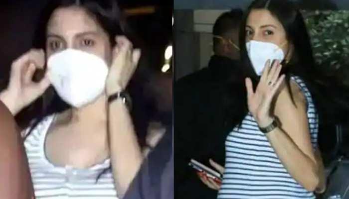 anushka sharma reached at doctor clinic with her husband virat kohli