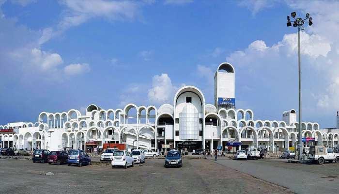 हबीबगंज और झांसी रेलवे स्टेशन के नाम परिवर्तन की चर्चा तेज, जानिए क्या रखने की उठी है मांग